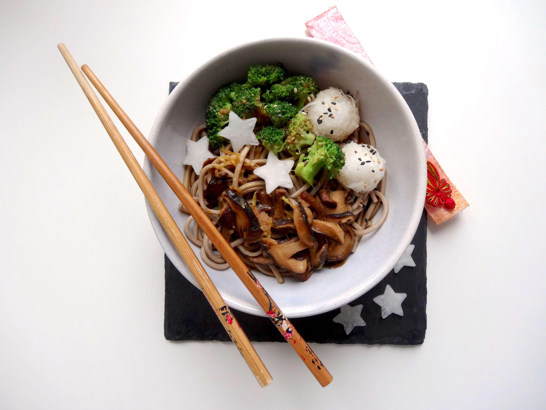 Soba mit Shitake und Broccoli