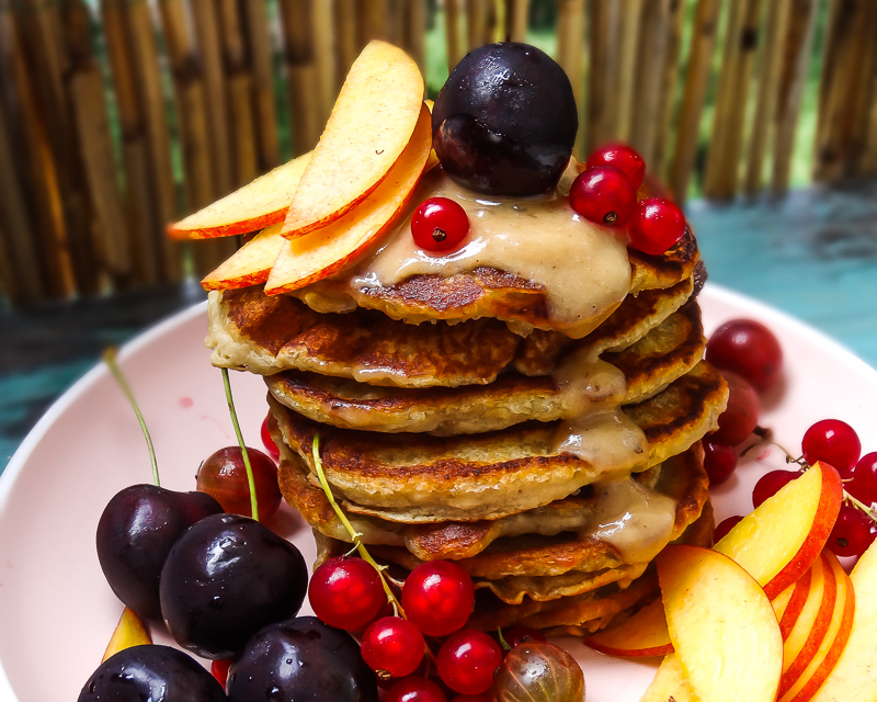 Pancakes mit Dattelkaramell